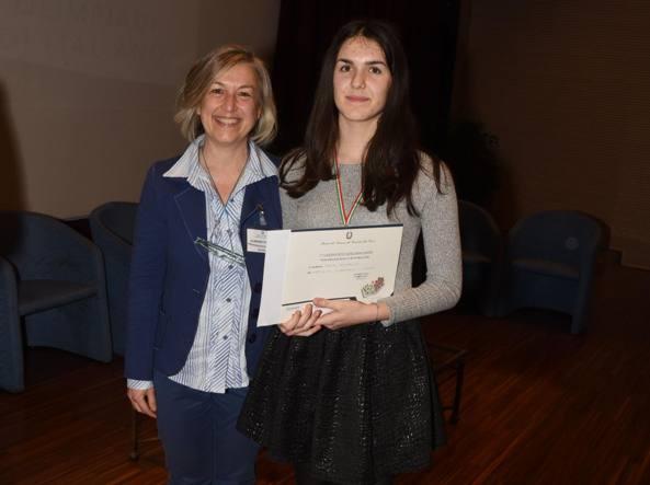 Sara Persello con l'insegnante di Lettere, Paola De Bernardi