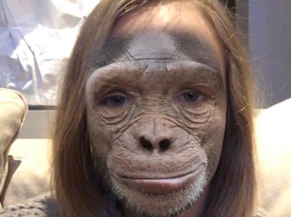 Cara Delevingne mascherata da scimmia (Instagram)
