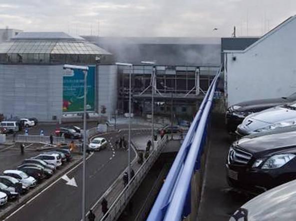 L'aeroporto di Bruxelles dopo l'attentato (LaPresse)
