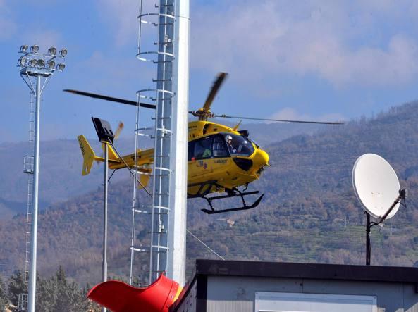 Un elicottero dei soccorritori (Fotogramma)