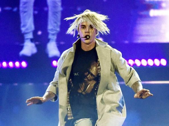 Justin Bieber  durante il concerto a Los Angeles del 20 marzo (Ap)