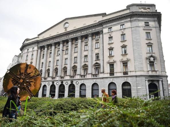 La sede della Bpm a Milano in piazza Meda. L'istituto sta trattando una fusione con il veronese Banco Popolare