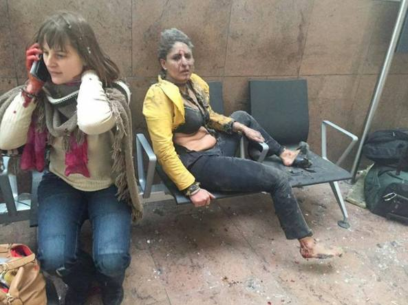 La foto scattata dalla reporter Ketevan Kardava dopo l'attentato all'aeroporto Zaventem di Bruxelles (Reuters)
