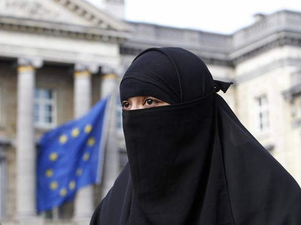 Salma, ragazza francese convertitasi all'Islam che vive a Bruxelles (Reuters)
