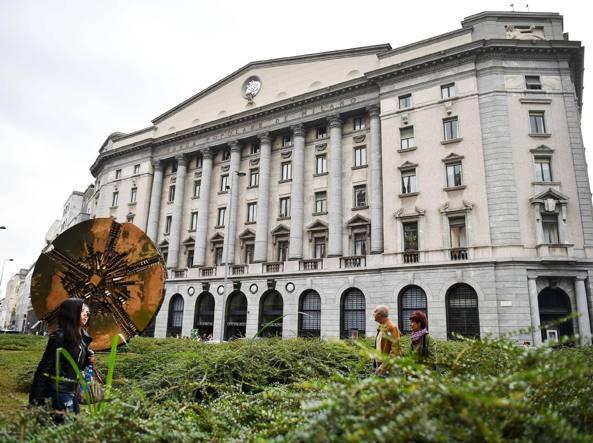 La sede della Bpm in piazza Meda a Milano. Mercoled� notte � stata approvato dai  consigli il progetto di fusione con il Banco Popolare