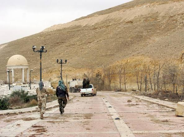 Truppe siriane avanzano  a Palmira (Afp)