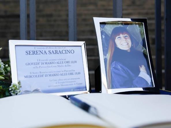 Il funerale di Serena Saracino a Torino (Fotogramma)
