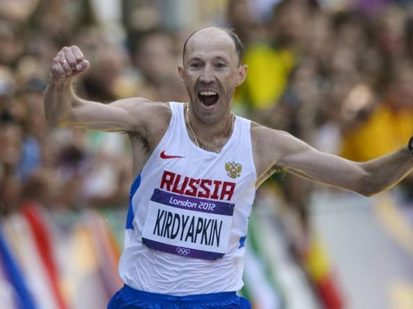 Sergey Kirdyapkin al traguardo della 50 km di Londra 2012 (Reuters/Hackett)