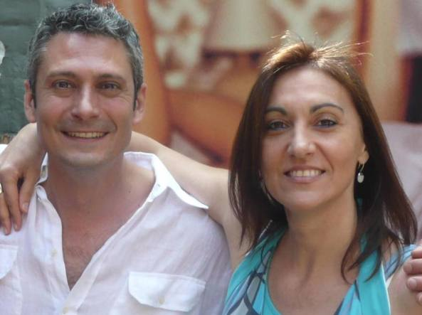 Patricia Rizzo, a destra, col cugino che  - con questa foto - ne ha annunciato la morte su Facebook