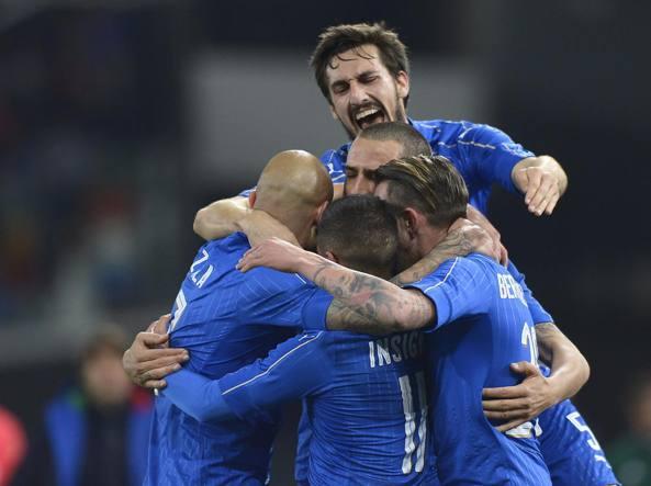 La festa degli azzurri dopo il go di Insigne in Italia-Spagna 1-1 (LaPresse)