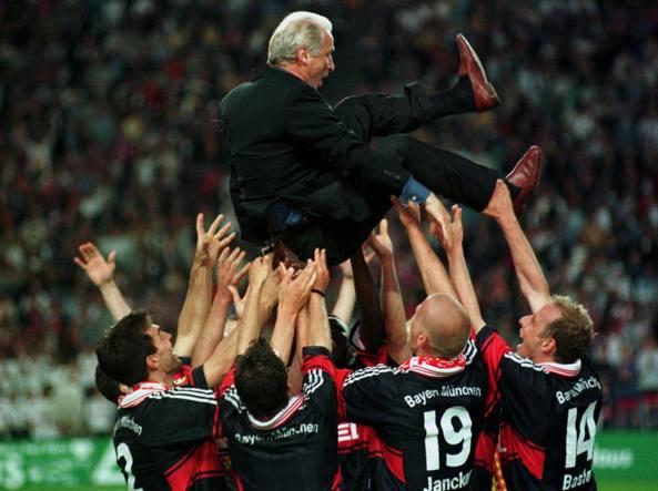 Il Trap e il Bayern vincitore della coppa di Germania 1998 (Ap)