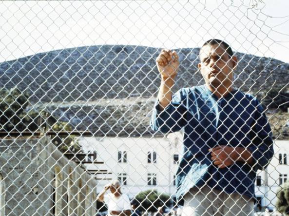 Un paziente di Leros in una foto di Antonella Pizzamiglio (1966); i suoi scatti realizzati nel 1989 sono raccolti nel volume Leros. Il mio viaggio (Artestudioarte)
