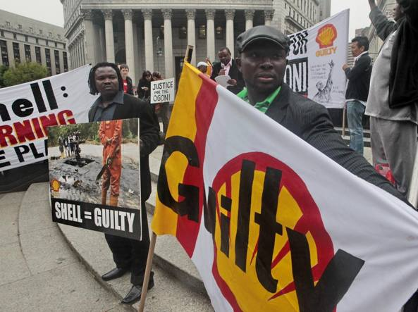 Manifestazione anti-Shell a New York (Ap)