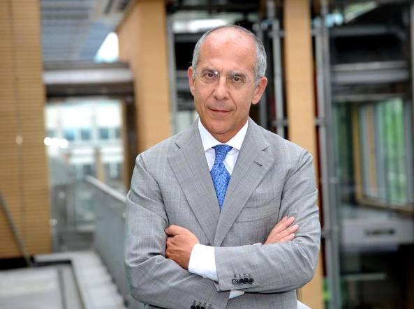 Ultrabanda, Renzi plaude a Enel ma guarda anche a Telecom Italia