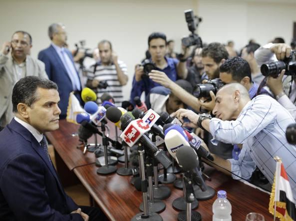 Regeni, le mosse della Farnesina: limiti a scambi e turismo in Egitto