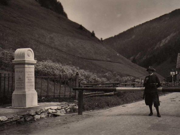 La dogana del Brennero in una immagine del 1930