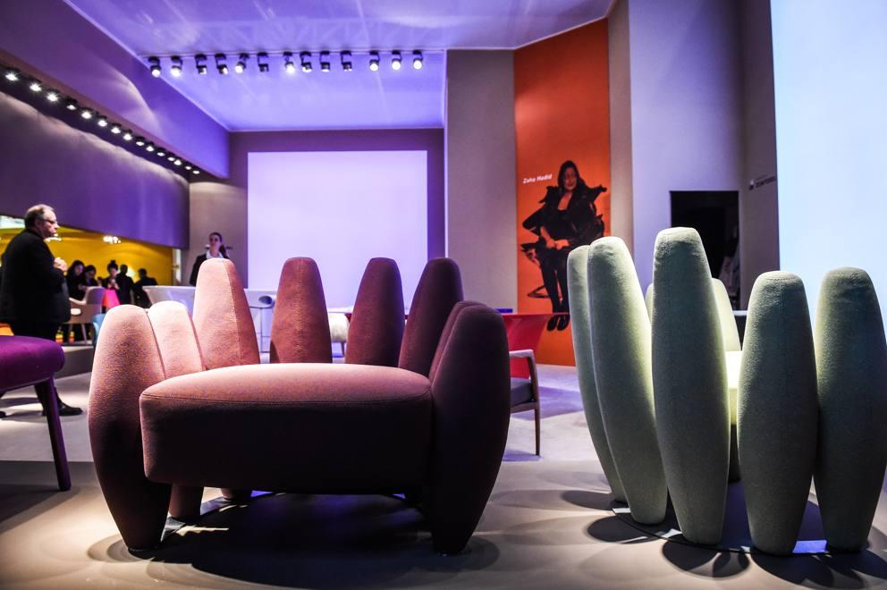 Salone del mobile 2016 la poltrona con le dita e altre for Salone mobile parigi