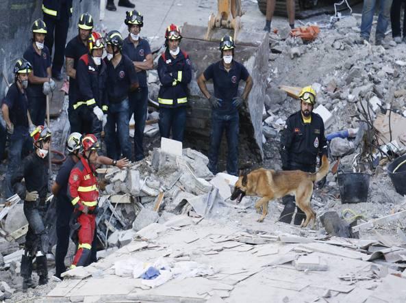 Crollo a Tenerife, almeno 2 morti, 3 feriti e 5 dispersi