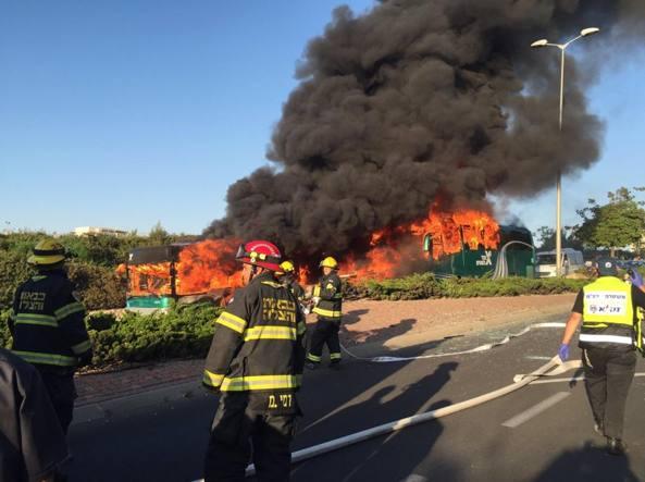 Israele. Esplode bus a Gerusalemme, 15 feriti