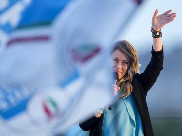 Berlusconi scarica Bertolaso:
