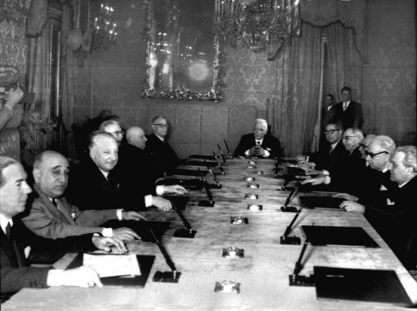 Prima riunione Corte Costituzionale nel Palazzo della Consulta a Roma il 23 gennaio 1956 (archivio corriere)