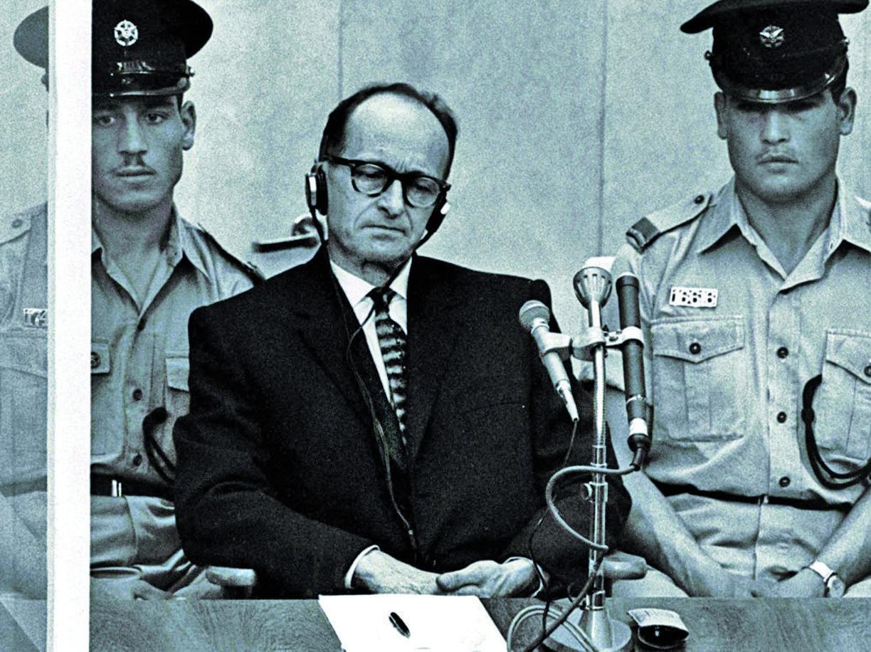 Adolf Eichmann sotto processo il 18 aprile  1961, a Gerusalemme