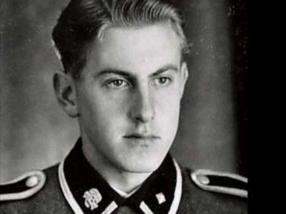 Hanning in uniforme da SS