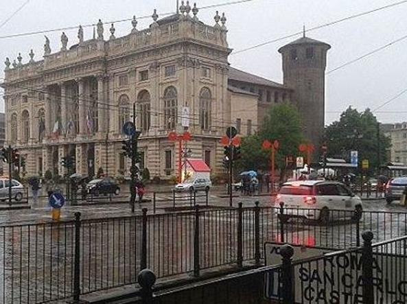 Maltempo: protezione civile E.Romagna, allerta per vento