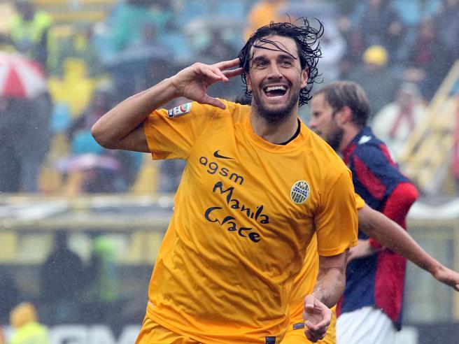Luca Toni si ritira, un viaggio lungo 307 gol e 15 squadre