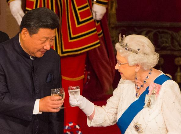 Il presidente cinese Xi Jinping durante la visita di Stato in Gran Bretagna l'anno scorso