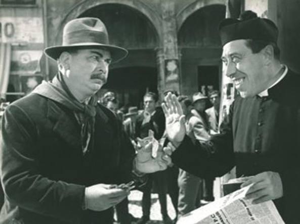 Mario Cervi e Fernandel sul set di Brescello