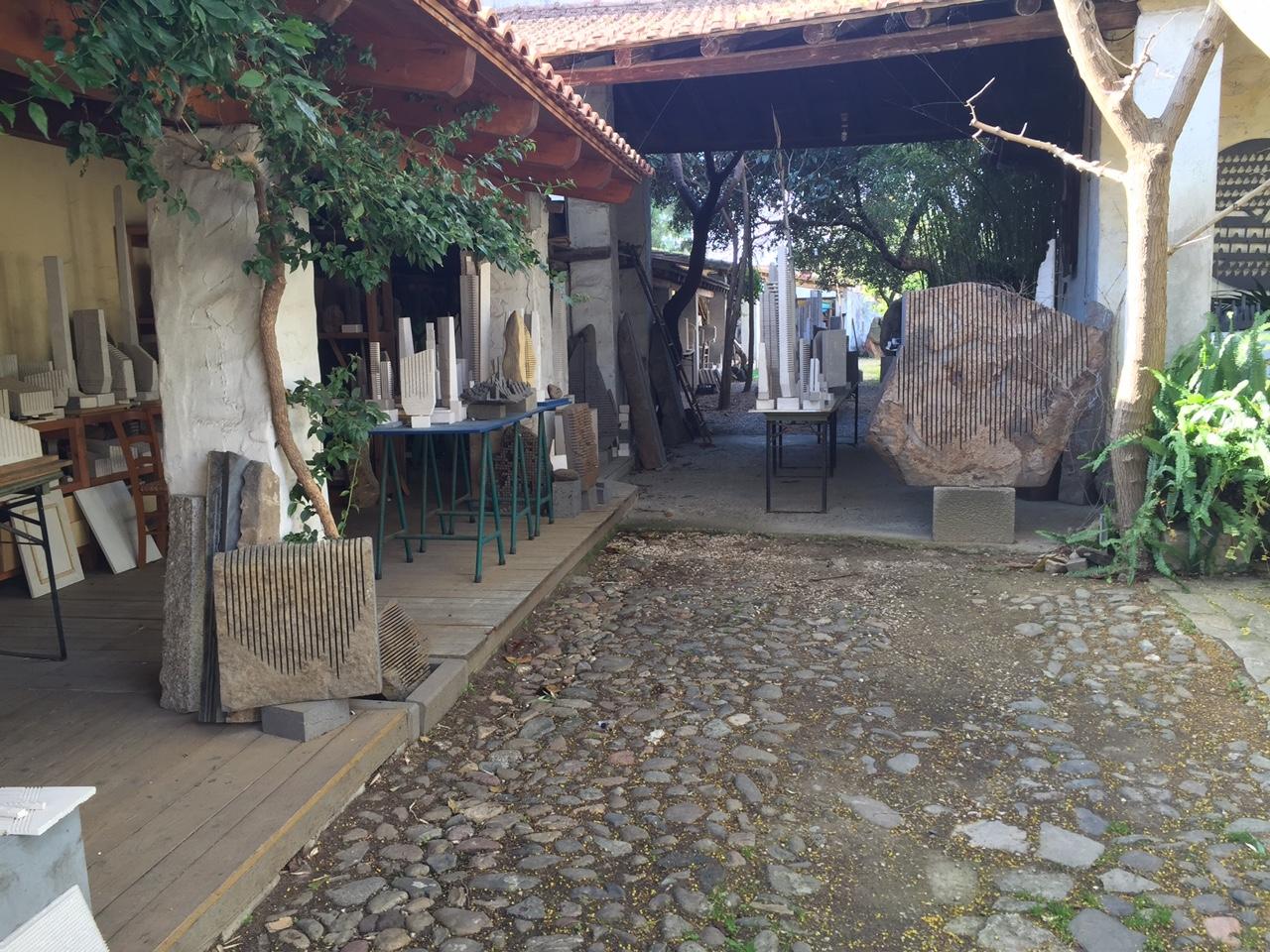 Morto pinuccio sciola nella casa dello scultore for Corriere della casa