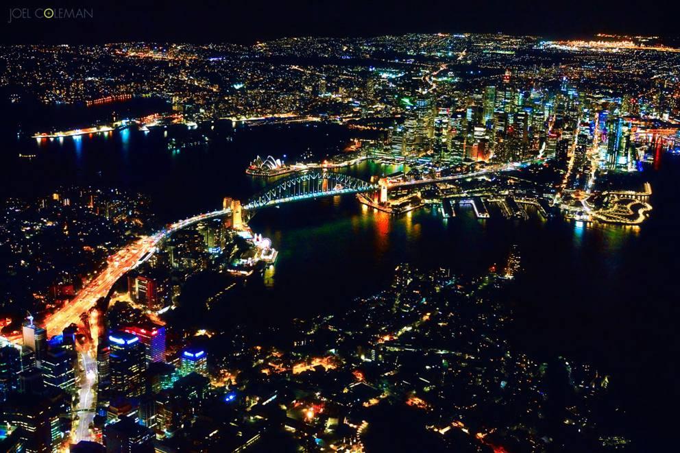 Elicottero Notte : Sydney di notte le incredibili foto della città vista da