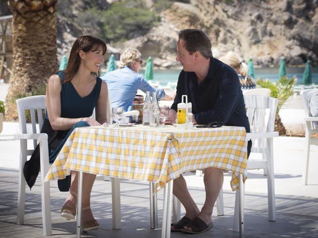 Cameron, con la Brexit vacanze più care: «230 sterline in più a famiglia»