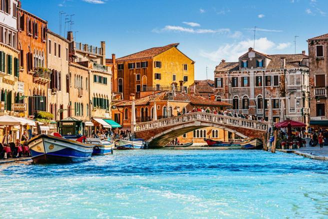 Dal Peloponneso alla città di Shakespeare:  le 10 mete europee da visitare nel 2016 (secondo Lonely Planet)