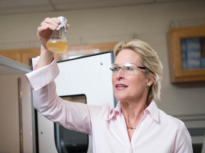 La scienziata che imita la natura:«Così creo la chimica verde»