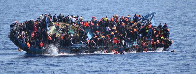 L'ultimo naufragio nel Canale di Sicilia  nelle immagini della Marina Militare