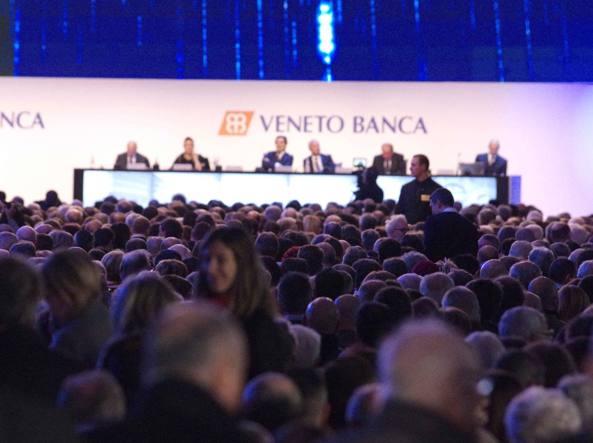 L'assemblea 2015 di Veneto Banca in una foto d'archivio (Lapresse)
