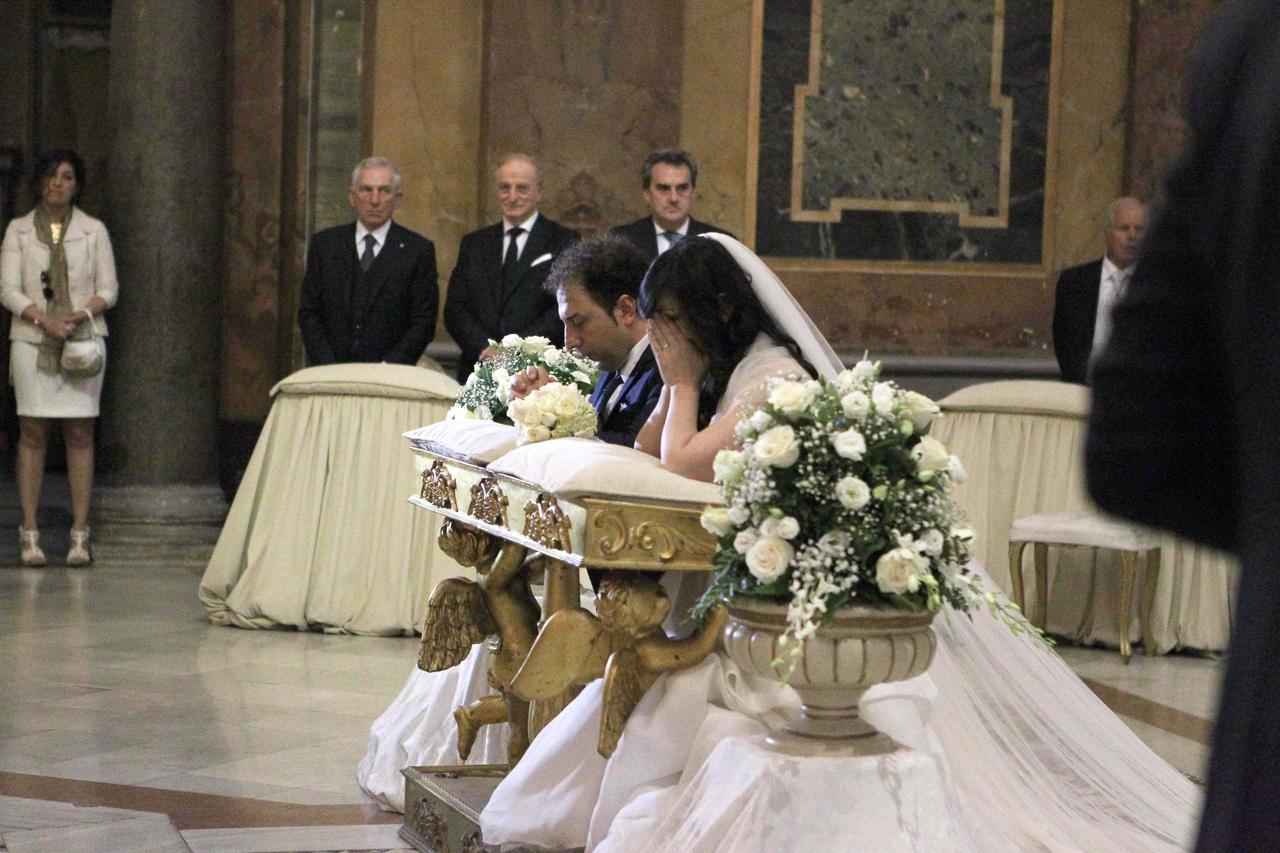 Matrimonio In Dicembre : Emanuela aureli «risposa il marito sergio le foto del