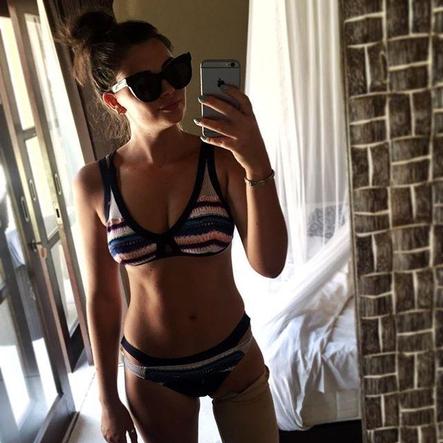 Jessica la ragazza senza una gamba che sogna di fare la modella - Lo specchio di selfie ...