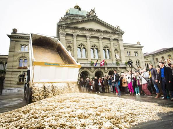 Svizzera, referendum: no al reddito minimo per tutti