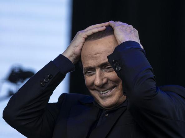 Milan, passo indietro di Berlusconi: