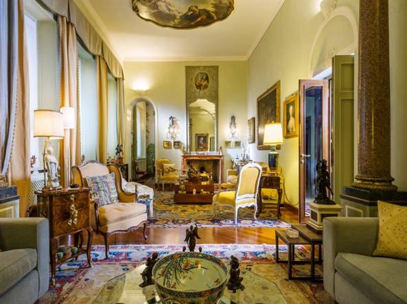 La collezione così come arredava la dimora della coppia di collezionisti milanesi