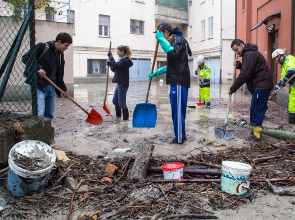Alluvione del 2014 a Parma, indagato il sindaco Pizzarotti