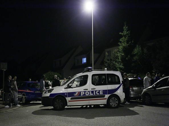 Coppia di agenti uccisa a Parigi, rivendicazione Isis