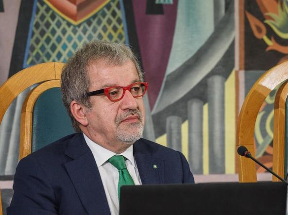 Il presidente della Regione Lombardia Roberto Maroni (Ansa)