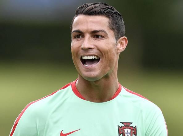 """Cristiano Ronaldo sbaglia il rigore e chiede scusa. Portogallo zero in tutto"""""""