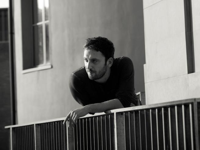 Cesare Cremonini, storia di un cantautore