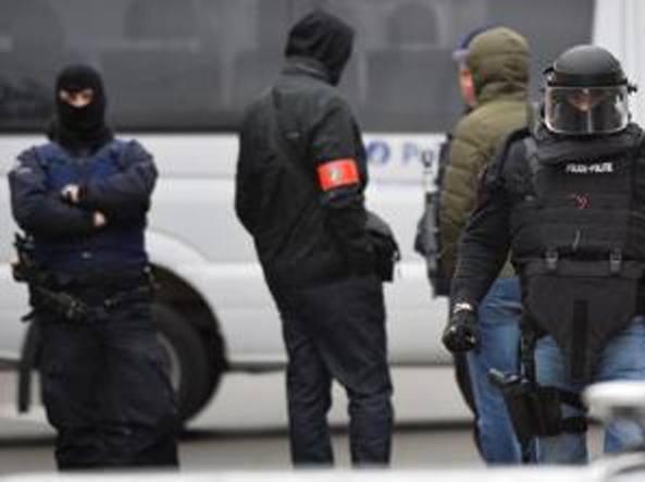 Belgio-Irlanda, borsa sospetta allo stadio di Bordeaux. 12 arresti a Bruxelles