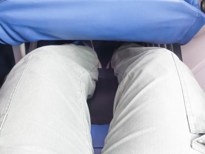 Cosa succede al tuo corpo in aereo: consigli per rendere il volo più confortevole